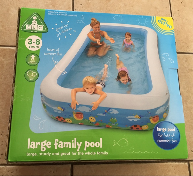 Elc large family pool review from mothercare twin mummy for Elc paddling pool